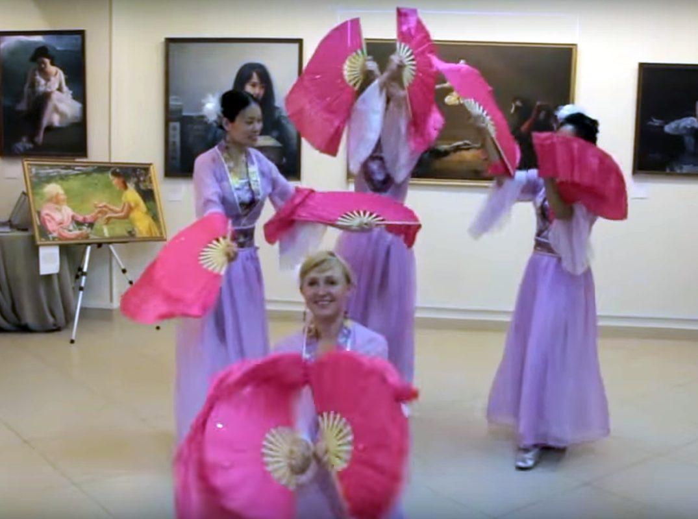 Видеоролик о международной выставке картин «The art of Zhen Shan Ren»